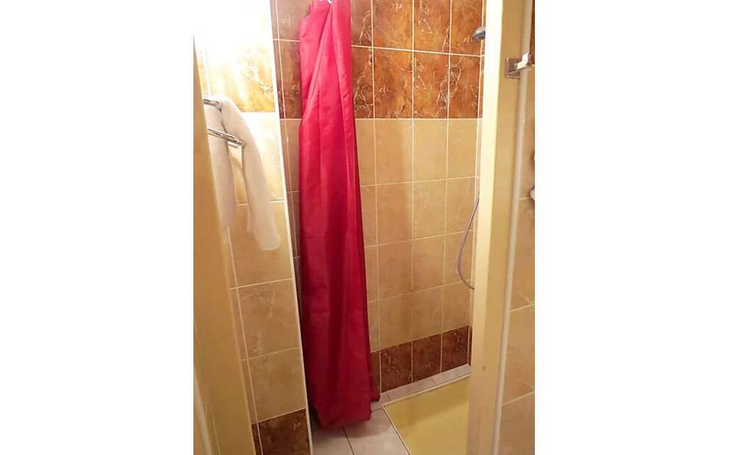 Salle de bains Chambre Quadruple Standard