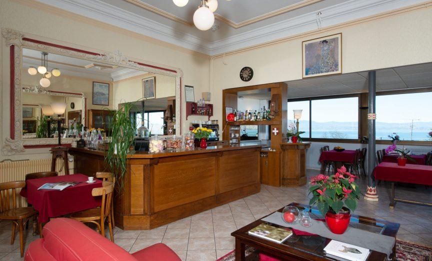 Le bar de l'Hôtel Evian Express
